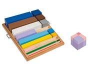 Kasten mit Würfeln und Quadraten, ab 9 Jahre