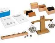 Mess-Set 2: Gewicht: Holzwaage mit Gewichten, Gewichtstäfelchen und Aufgabenkarten