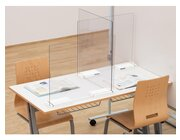 Mobiler Spuckschutz Schülertisch