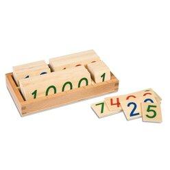 Kleine hölzerne Zahlenkarten im Kasten 1-9000, ab 4 Jahre