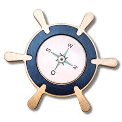 Steuerrad mit drehbarem Kompass