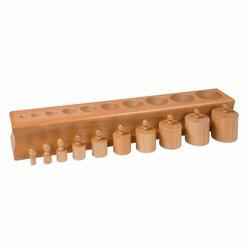 Block mit Zylindern 1 - Höhe und Durchmesser gleichmäßig zunehmend