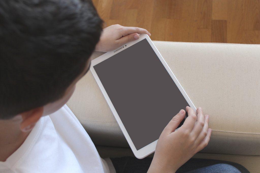 Erhöhter Medienkonsum bei Kindern mit ADHS bis hin zur Sucht